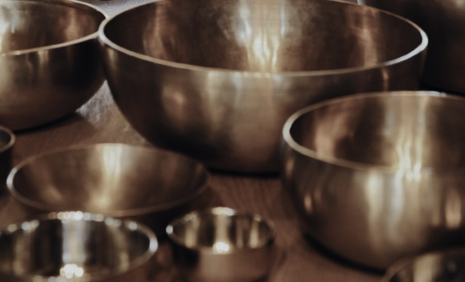 Koncert gongów w Pałacu Quadrille