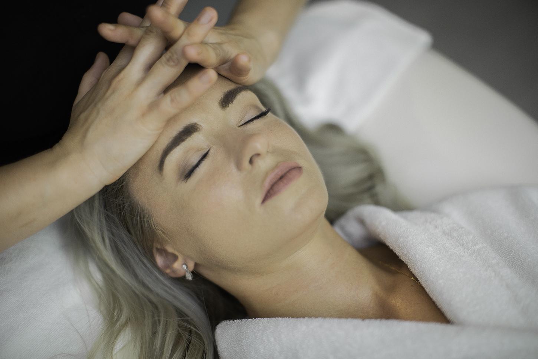Pielęgnacja domowa skóry głowy i włosów
